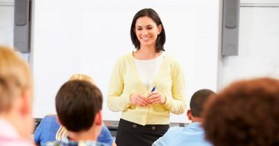 Un maestro con habilidades en consejería I