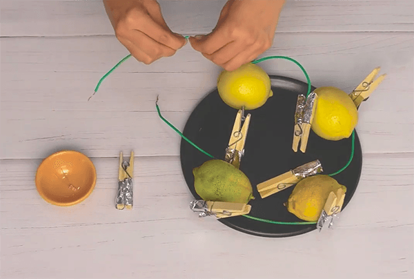 Exprimir electricidad de un limón - Ciencias Naturales C: Química
